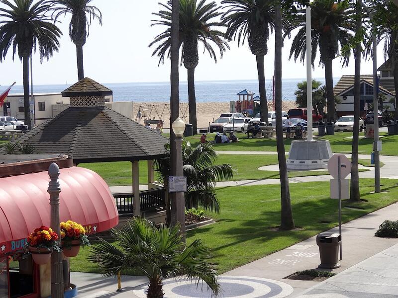 beach across from balboa inn