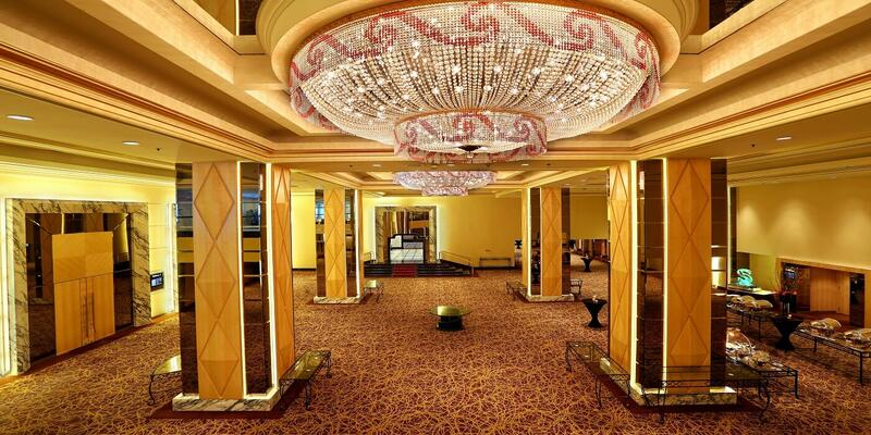 Foyer of meeting rooms furnished with a grand chandelier