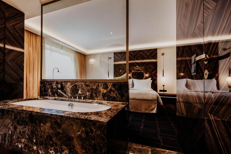 Lamee Bathroom at Hotel Topazz Lamee