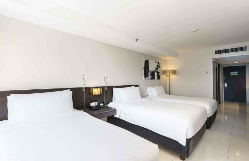 Maitria Hotel Sukhumvit 18 Triple Room