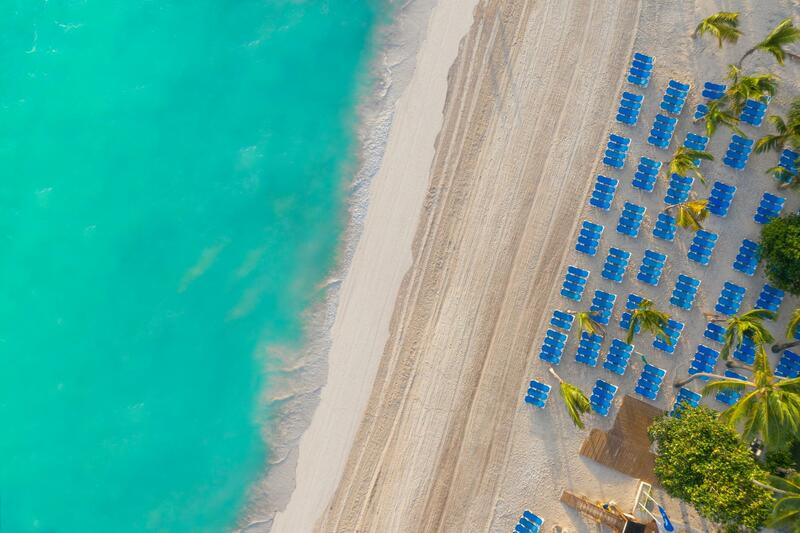 Beach & Lounge Chairs
