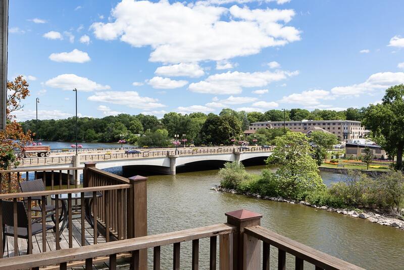 bridge over a river in illinois