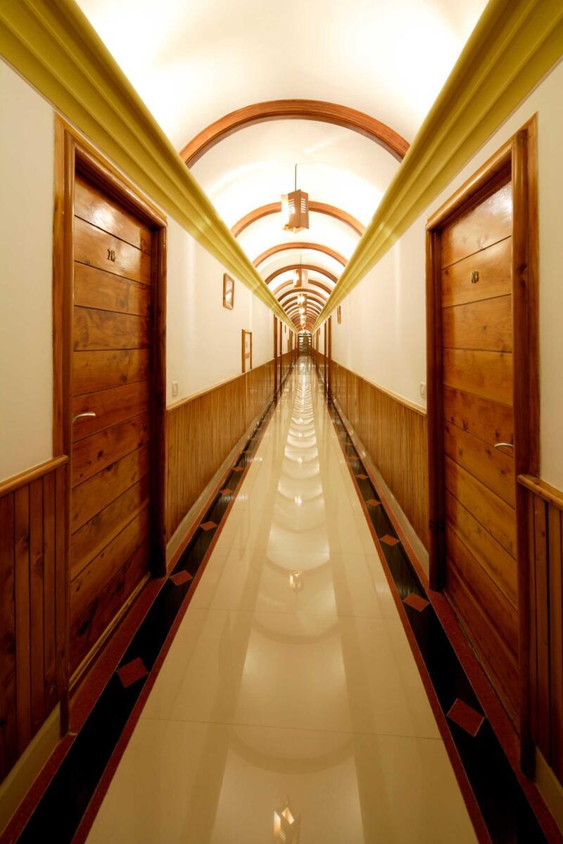 Corridor at ManuAllaya Resort Spa Manali in Himachal Pradesh