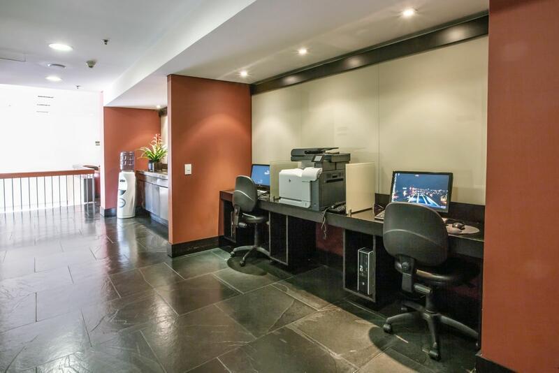 5 Bussines Center Cité Business