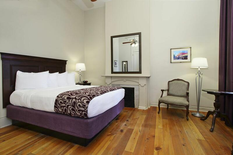 Inn on St. Ann 1 King Guest Room