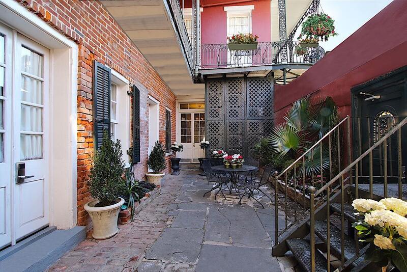 Inn on St. Peter Courtyard