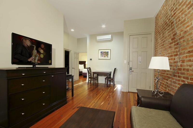 Inn on St. Peter 1 Bedroom Suite