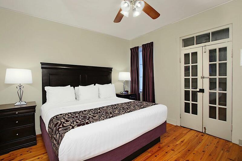 Inn on Ursulines 1 King Room