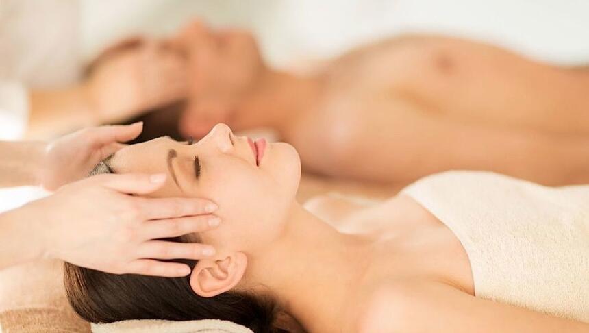 mujer masaje hotel cumbres puerto varas
