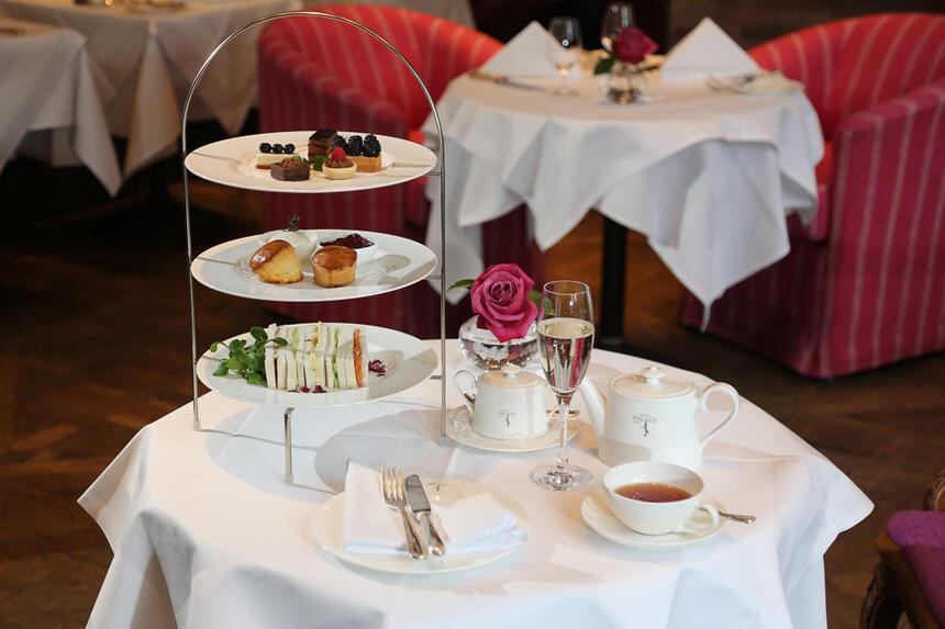 Afternoon tea im Hotel München Palace