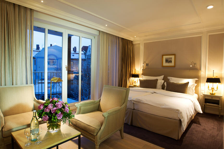 elegantes Deluxe Doppelzimmer im Hotel München Palace