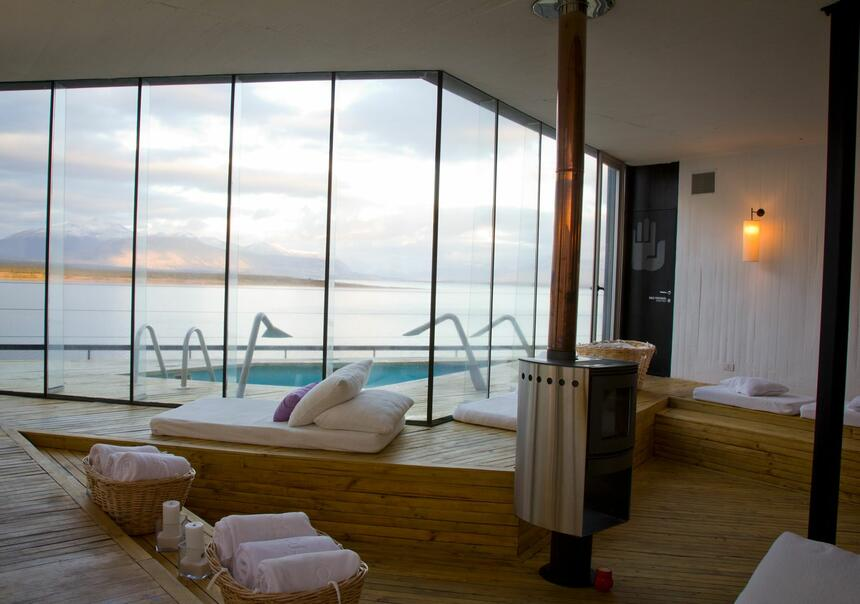 Aiken Spa with sunbeds & towels at NOI Indigo Patagonia