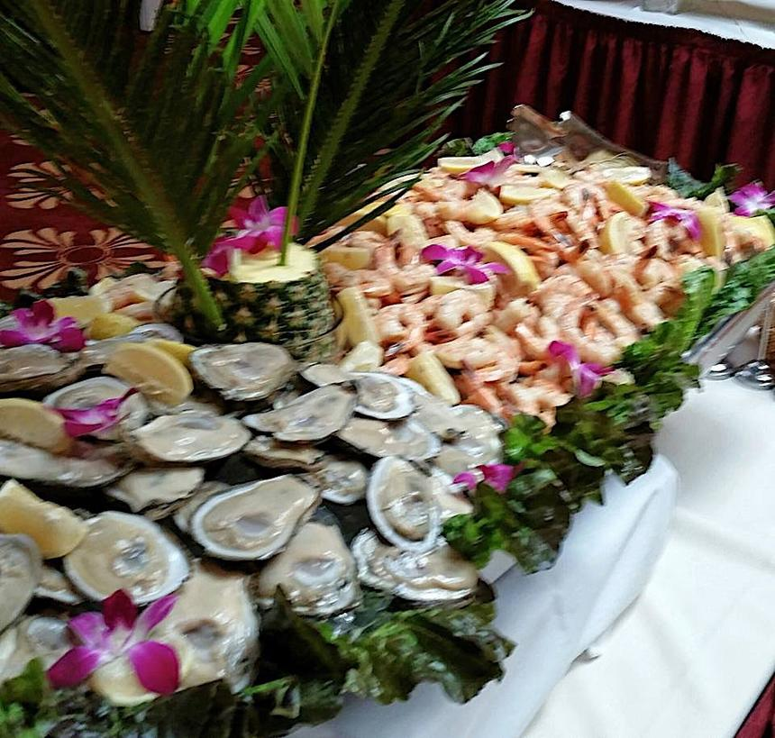 Close photo of oyster platter.
