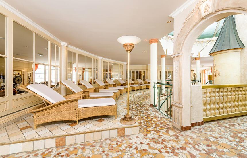 Cinderella Castle Spa Liegebereich im Hotel Liebes Rot Flüh, Hal