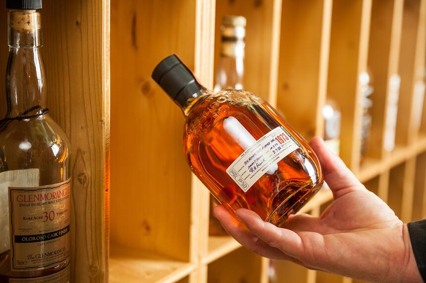erlesener Whiskey im Hotel Liebes Rot Flüh, Haldensee Tirol