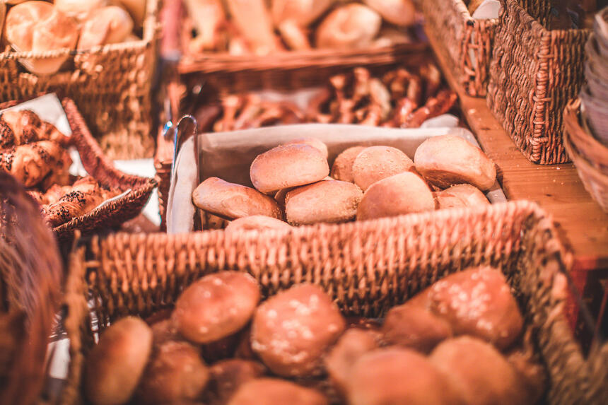 A picture of delicious breads and snacks  in the Liebes Rot Fluh