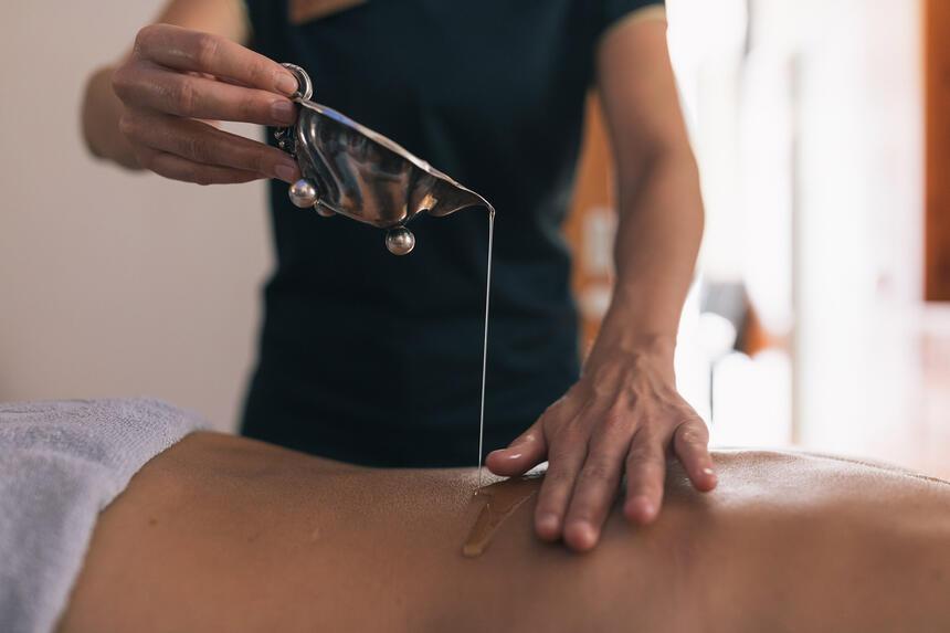 Massage Therapie im Hotel Liebes Rot Flüh, Haldensee Tirol