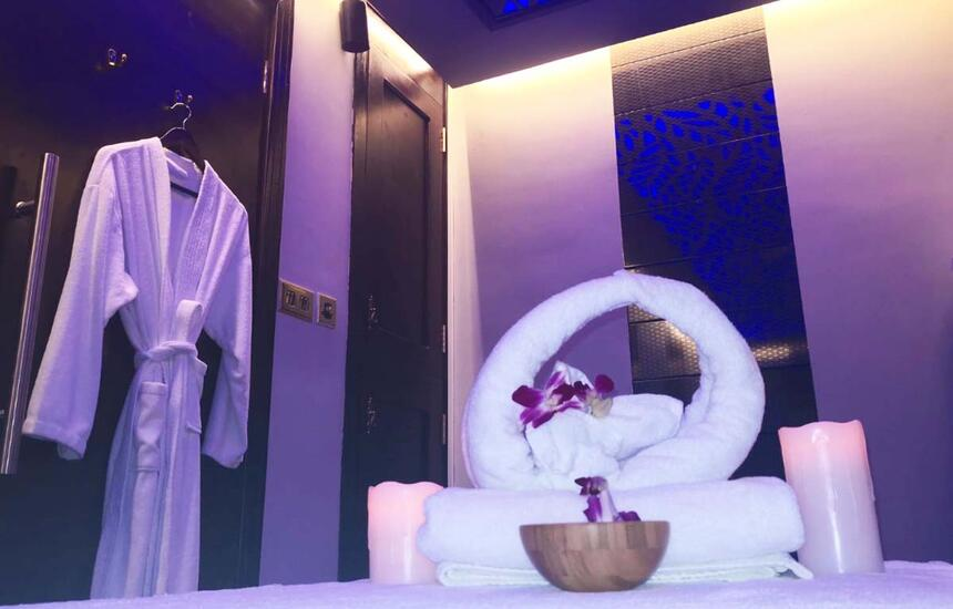 bathrobe and towels in Inara spa massage room