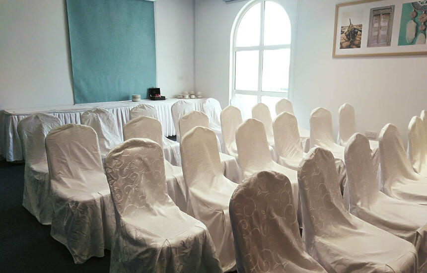 Festive arrangement in meeting room
