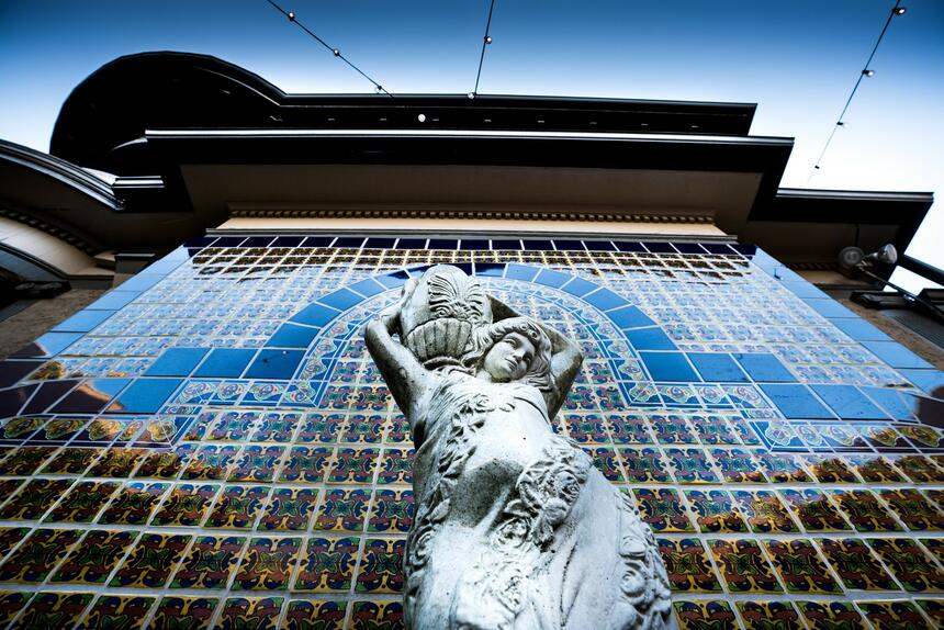fountain statue in El Cordova hotel