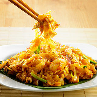penang local delights: char kway teow