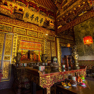 The inside view of the khoo kongsi, grandest clan temple in mala