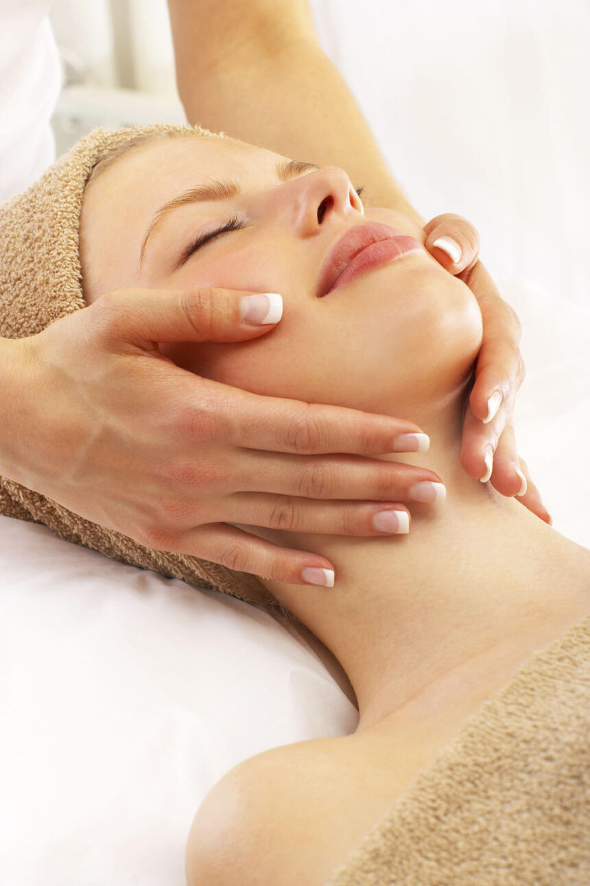 Close up of a face massage at Windsong Resort On The Reef