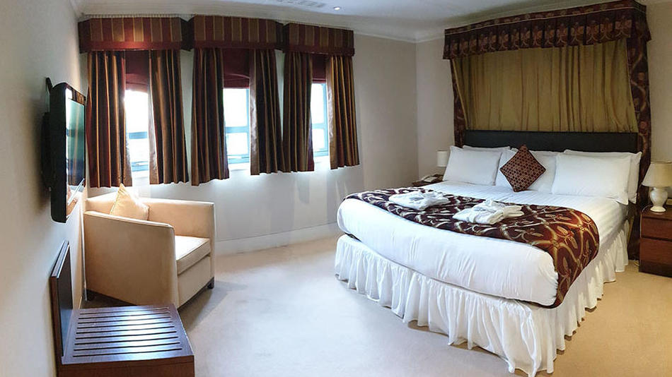 Special Offers at Barn Hotel Ruislip near London