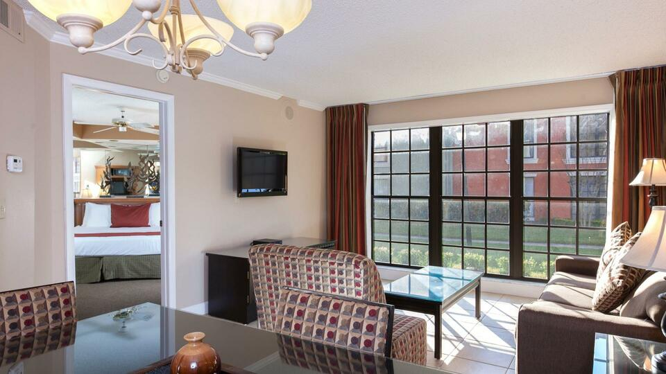 two bedroom deluxe suite  legacy vacation resorts