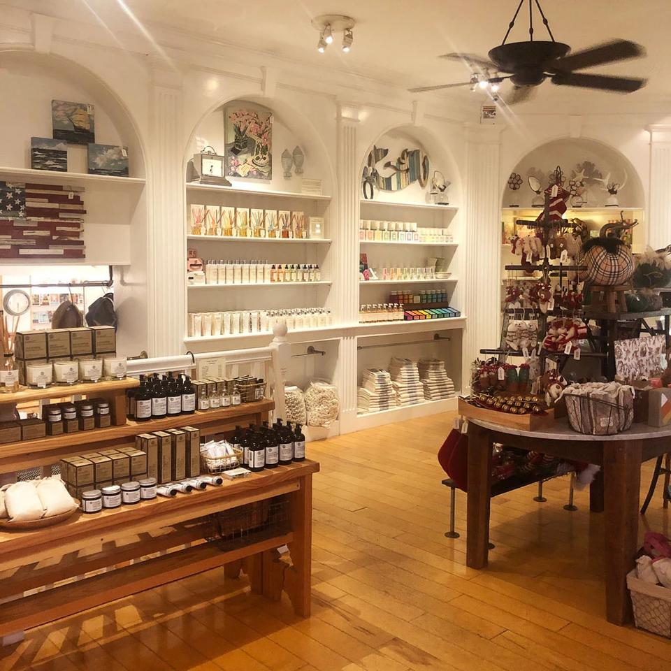 ElizabethW Perfume Shop at Pine Inn