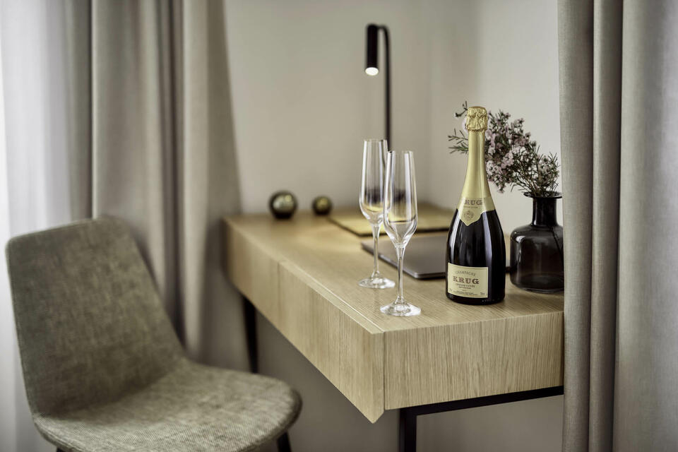 Welcome Champagne in Deluxe Room at Hotel Old Inn, Double Bed, s
