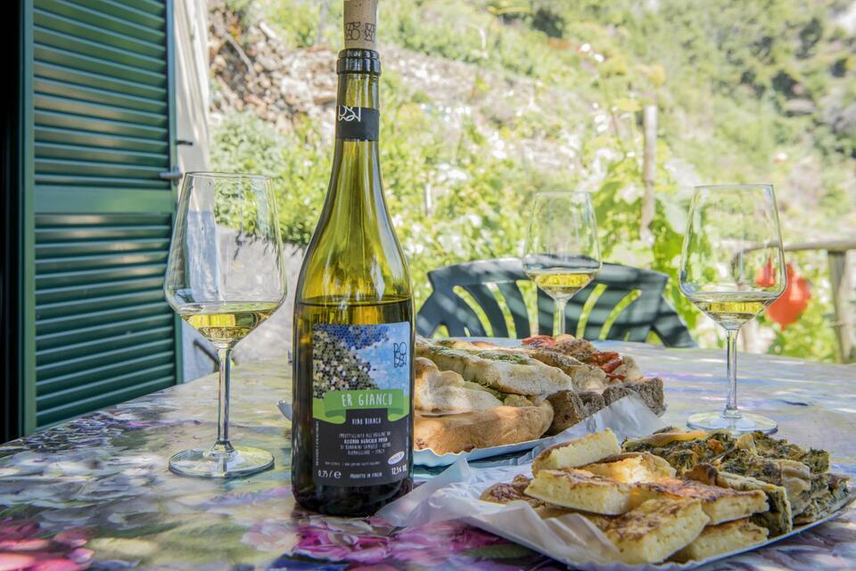 degustazione cantina cinque terre portovenere