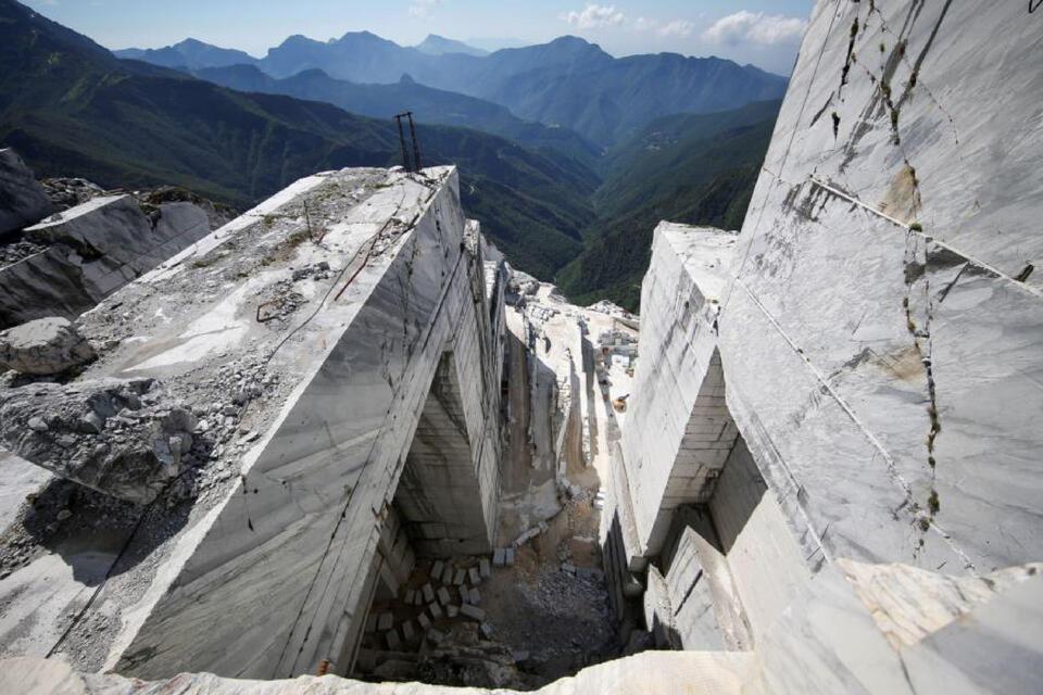 carrara tour marmo