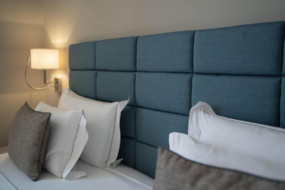 Cushioned headrest-Hotel Portovenere