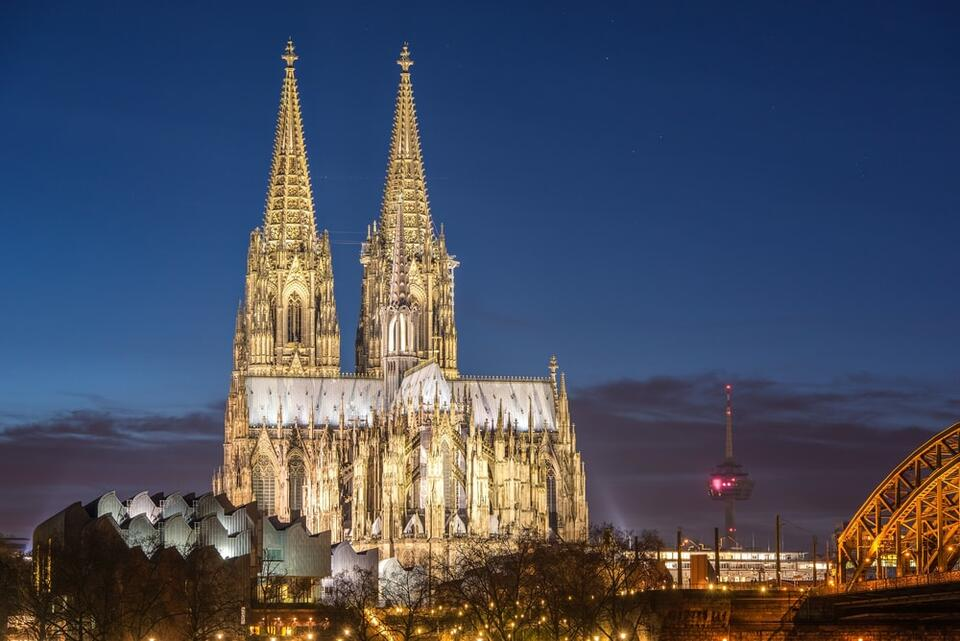 Cologne cathedral- Dom Hotel Am Roemerbrunnen