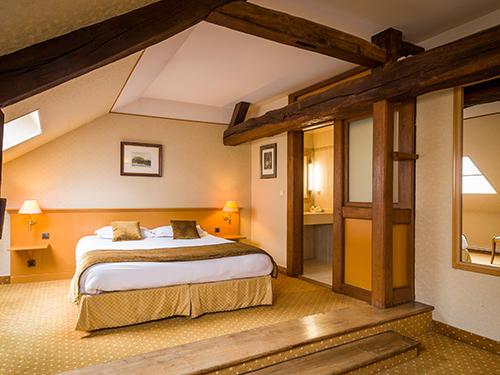 Bedroom at Hotel Anne d'Anjou in Saumur, France