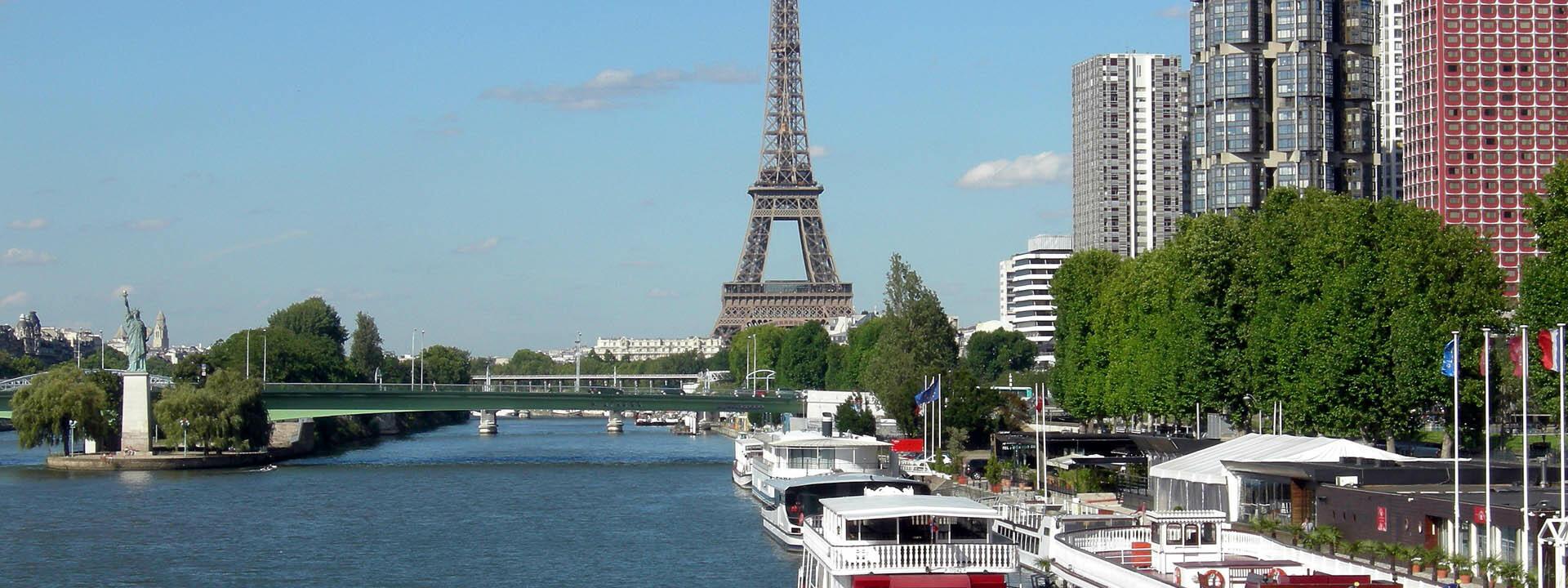 Romantic Seine River cruises in Paris