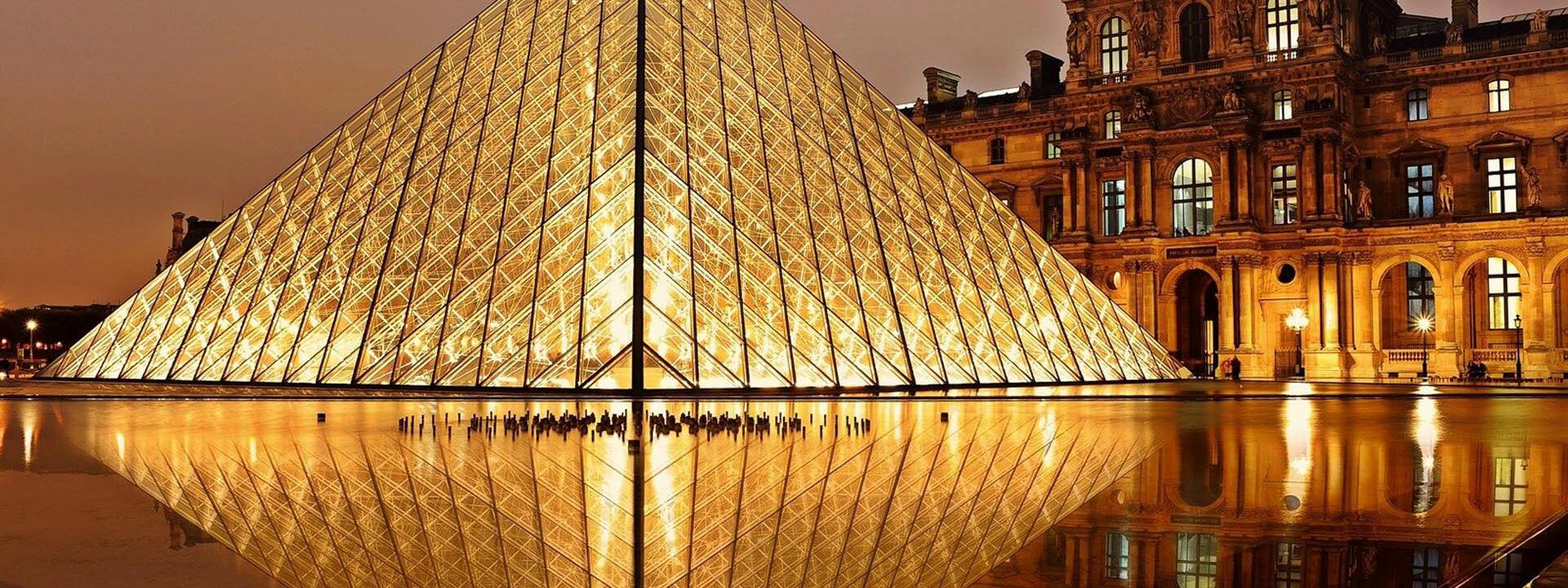 Have a cultural break: visit the Louvre Museum