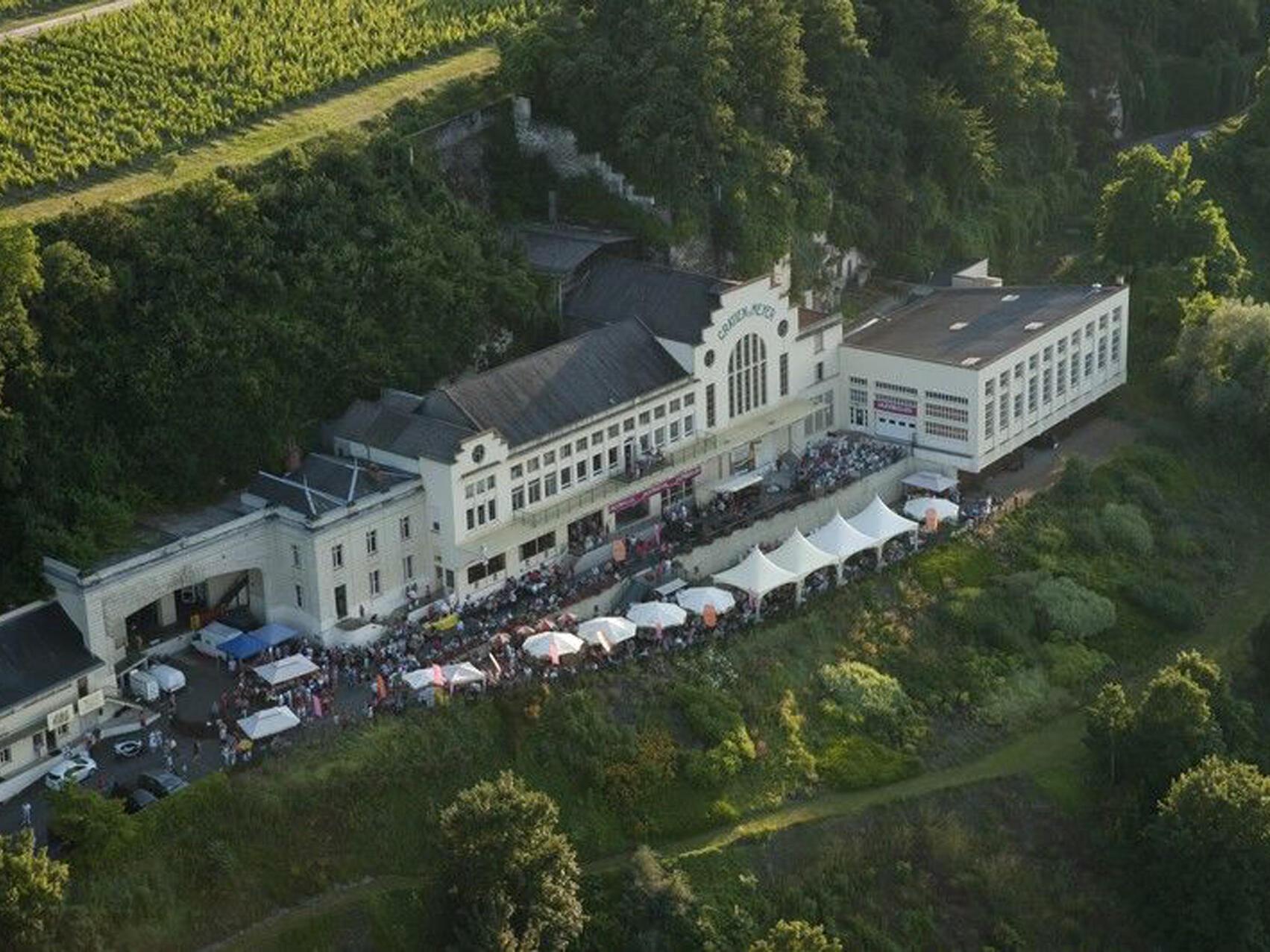Gratien & Meyer- Wine seller