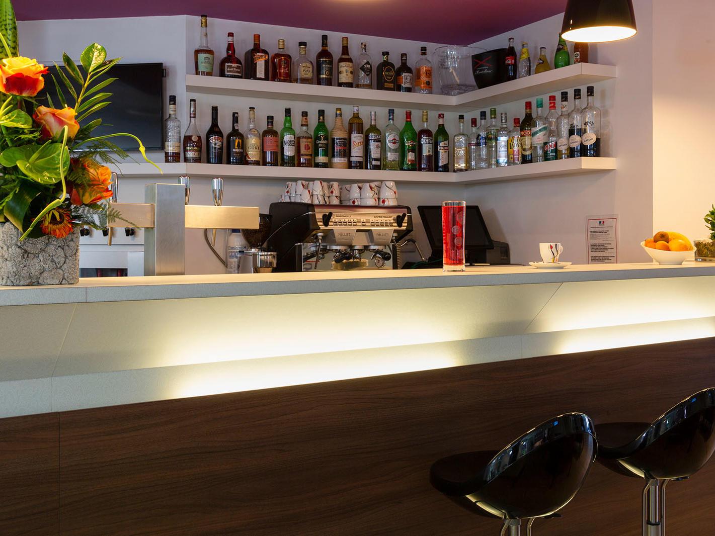 bar service nantes sud st james, the originals hotels