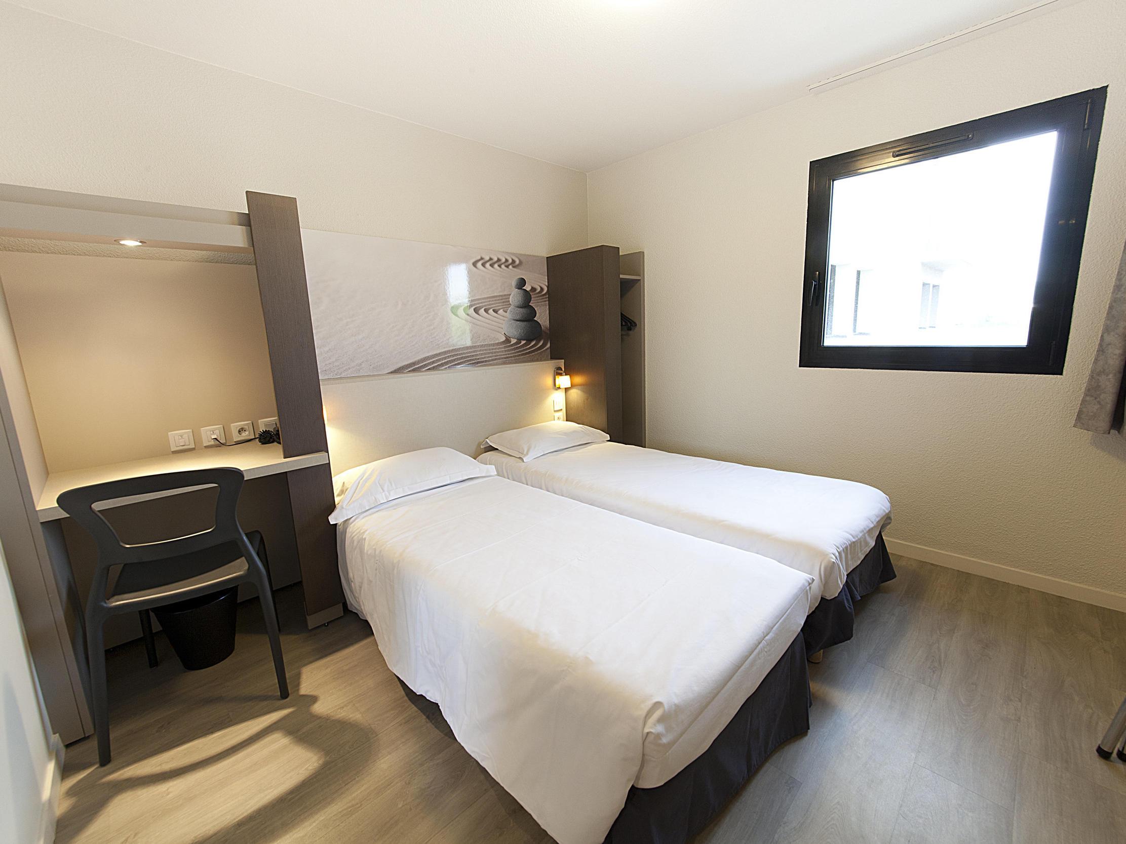 Standard Twin Room at The Originals City, Hôtel Clermont-Ferrand Sout Aubière