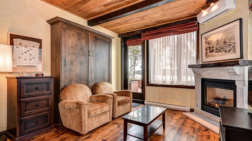 Classic condo room at Alberge Lac du Taureau in Lac de Taureau