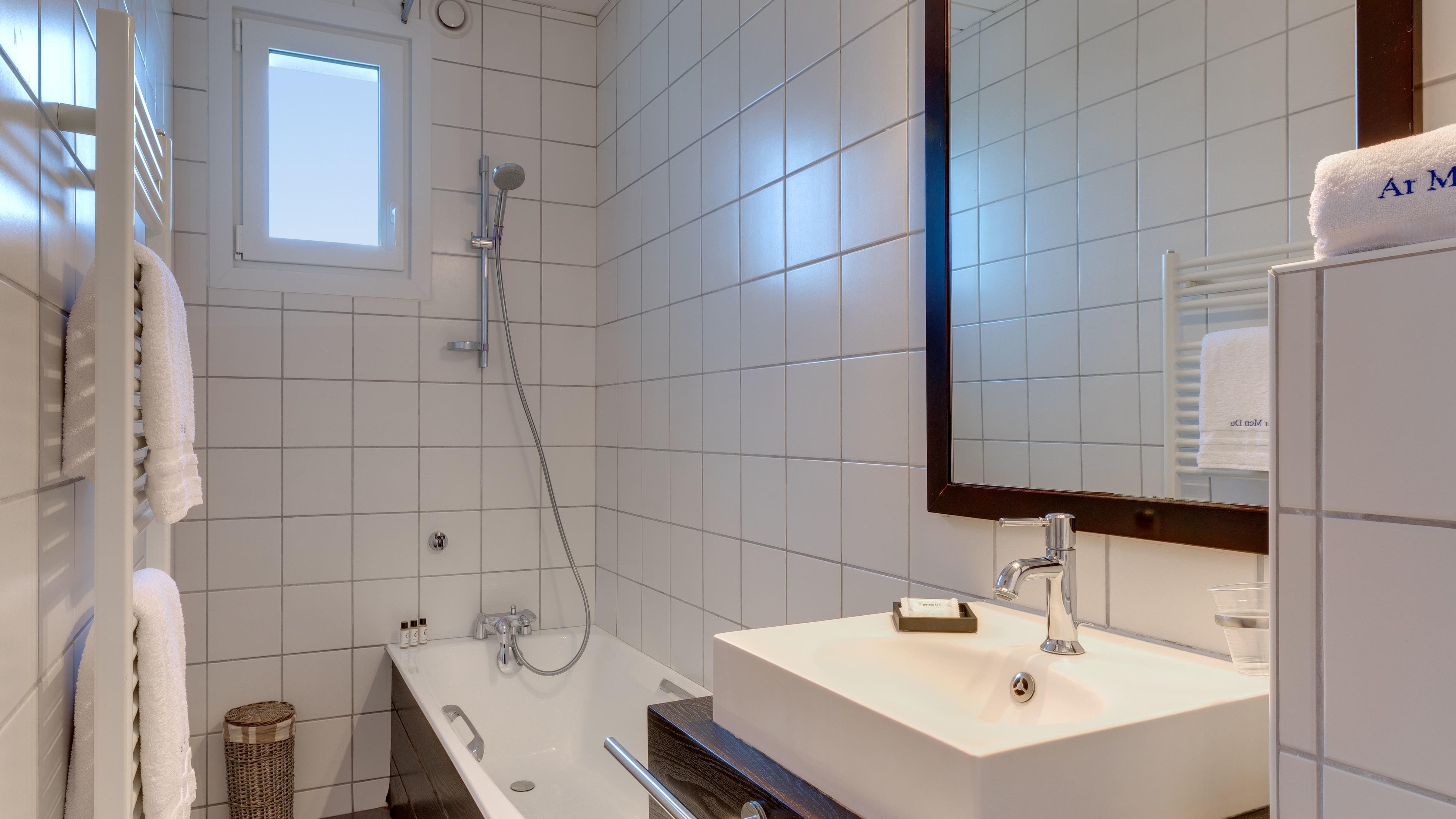 Bathroom at Ar Men Du Hotel in Névez, Brittany