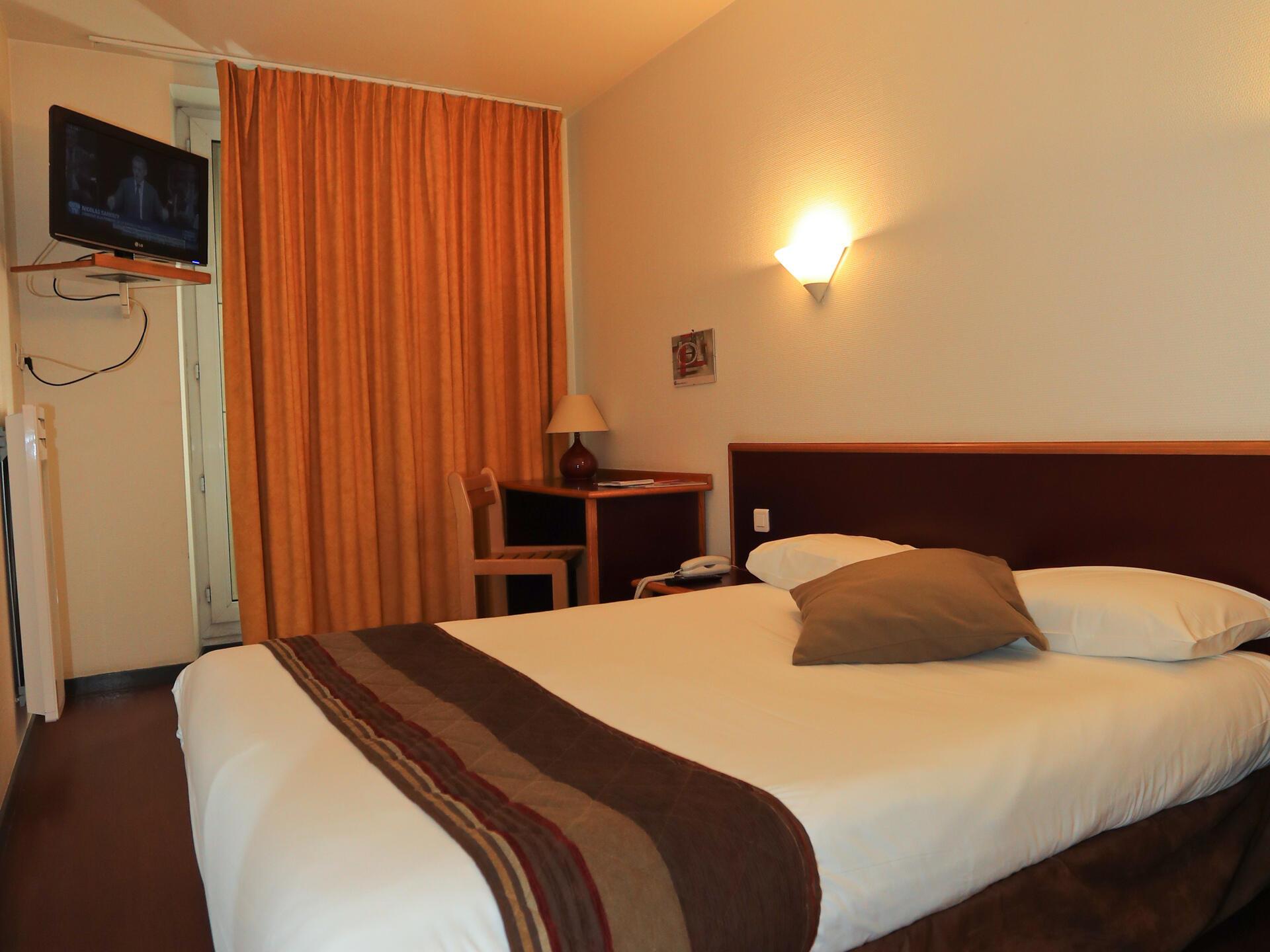 Chambre classique double - Hôtel Bristol Le Puy en Velay