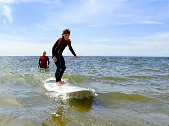 young-girl-surfing