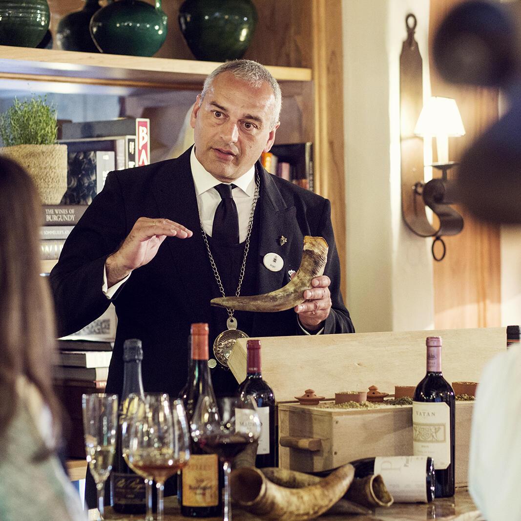 Cata de vinos en La Bodega de Marbella Club