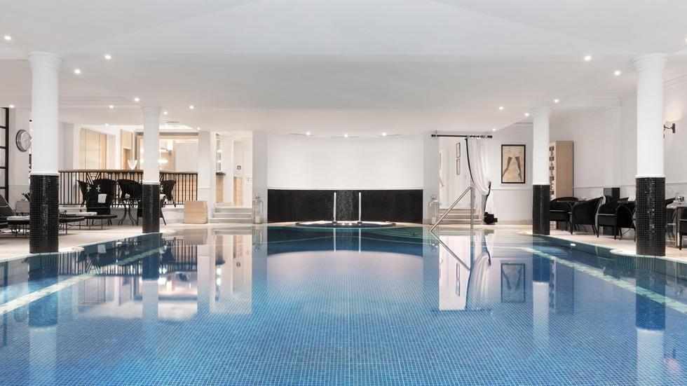 Pool at Schlosshotel Berlin by Patrick Hellmann