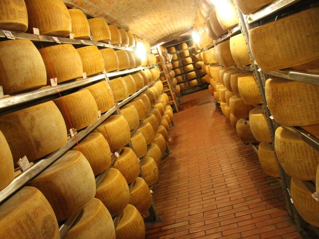 Cheese Tasting Guffanti at Castello dal Pozzo in Oleggio Castello, Italy
