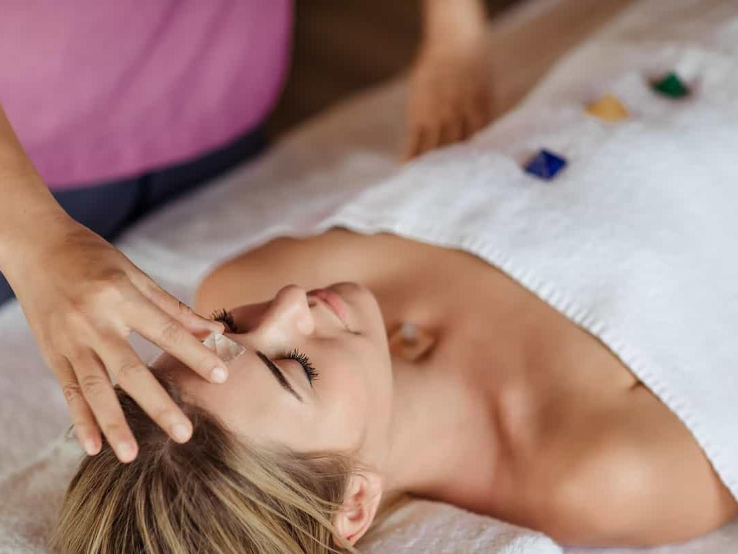 female guest undergoing one of the treatments one can expect during sleep retreat