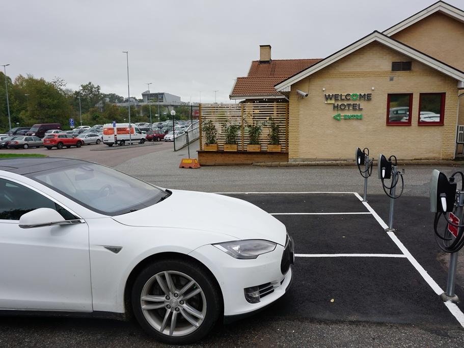 Electric Vehicle Charging at Welcome Hotel in Järfälla, Sweden